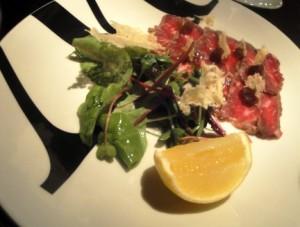 Beef carpaccio 'tataki' style