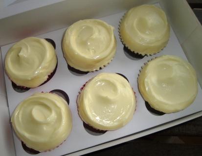 Red velvet & carrrot cake cream cheese cup cakes