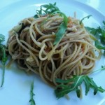 Spaghetti with crab and rocket