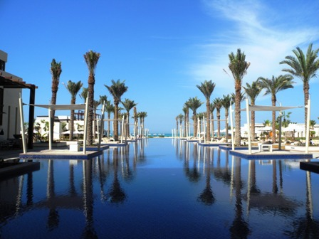 Park Hyatt Abu Dhabi - the view from the pool to the beach