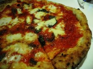 Rosso Vivo's Napoli pizza