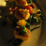 Seared scallops with samphire and mint pea puree