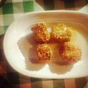 Fried sesame fetta balls