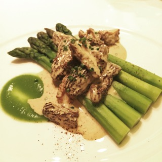 Asparagus with morels