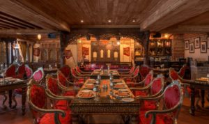 Antique Bazaar - Dubai restaurants - FooDiva - #GoldenOldieDubai