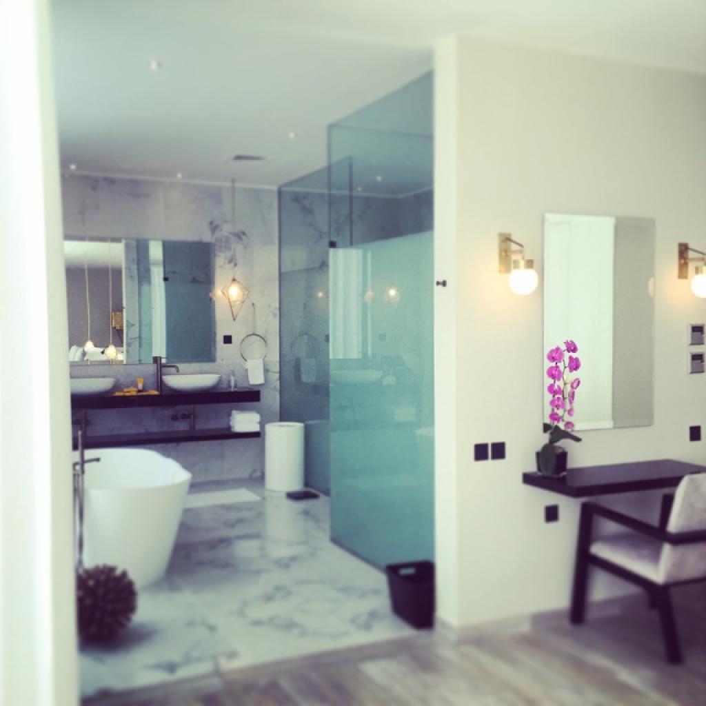 Nurai Island Beach Retreat bathroom
