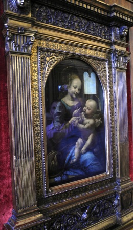 Leonardo Da Vinci's Benois with a flower (The Benois Madonnna) - also at the Hermitage